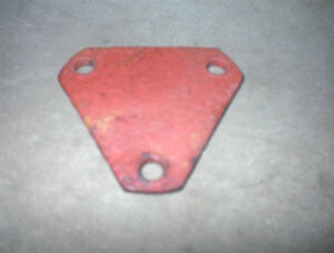 NICE 52-58 OLDS  RH SIDE EXHAUST 3 BOLT BLOCK OFF PLATE $10