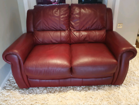 DELIVERY INCLUDED VGC smart 2 seater ox red leather sofa
