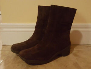Brown Suede Women's Boots by Hush Puppies (Size 8)
