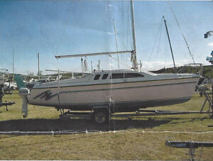 Hunter 23.5' Sailboat, Excellent Condition