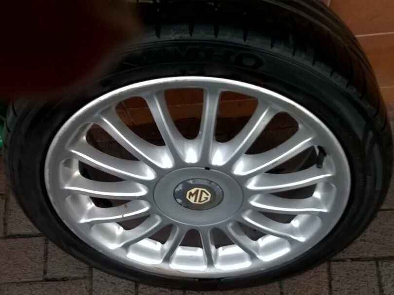 'MG 17 inch 4 Studs Alloy Wheels set of 4