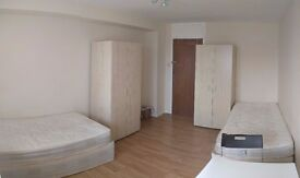 TWIN/DOUBLE ROOM TO LET I HENDON, NW4-New Brent Street-CLEAN AND PERFECTLY LOCATED FLAT