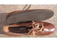Ladies Bowling shoes brown leather upper size 42 (UK size 8)