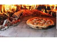 Waiter Waitress /cameriere cameriera/ Potwash/ Lava piatti/ aiuto cucina & a Builder / Muratore