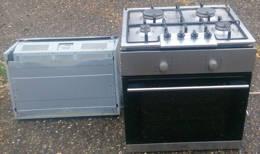 Electric oven , extractor and gas hob