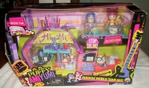 Hi Hi Puffy Amiyumi bus tour
