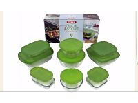 New pyrex set of 9 with lids cook and store