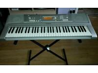 Yamaha PSR-E303 Keyboard & Folding X-Frame Stand