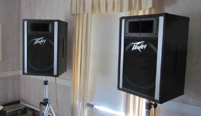 DJ Equipment Package Peavey Speakers - Technics Turntable -Onkyo Amp