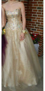 Prom Dress / Size 4 / GOLD (Unaltered)