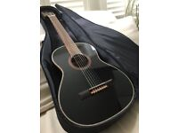 *Like New* 3/4 Classic Guitar, Black - Ortega R221BK (With gig bag)