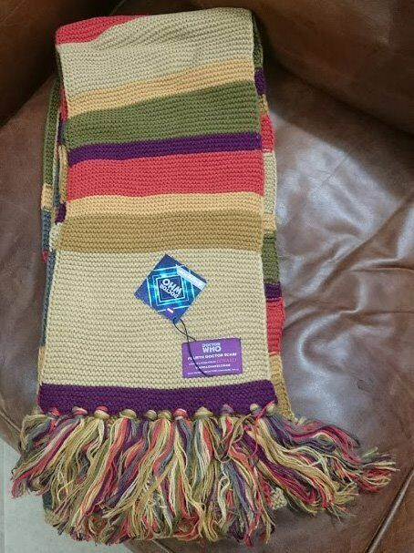 Official Bbc Doctor Who Fourth Doctor Scarf By Lovarzi In