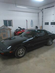 Selling this car it's a 1981 Mazda RX7