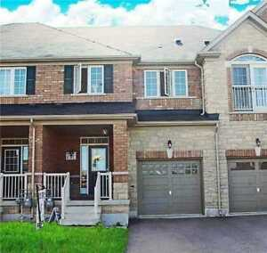 Town Home Beautiful 3 Bedroom in affordable price in Milton