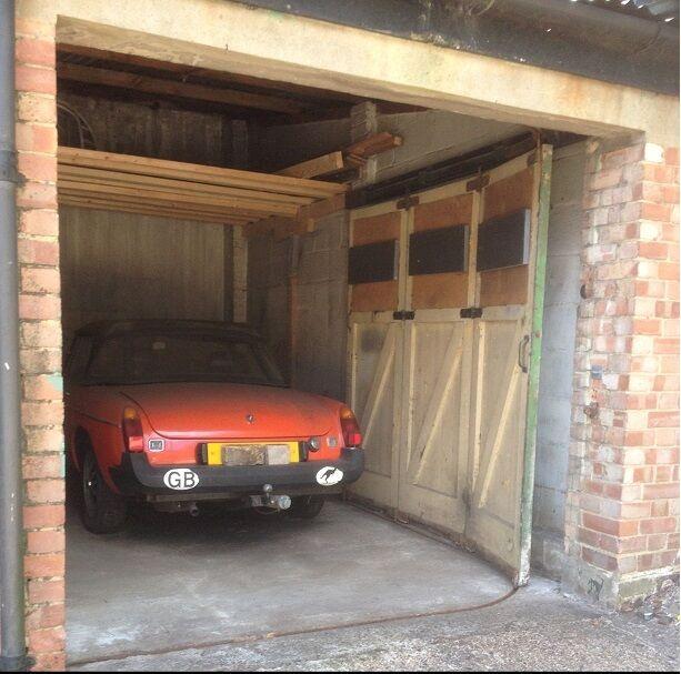 Garage to rent lock up close to highgate station in for Rental garages