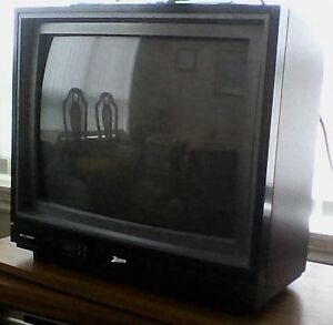 20 inch Zenith TV (includes remote control and analog antenna)