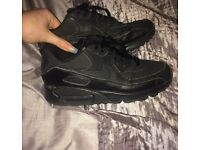 Black Nike air max 90, women size 5