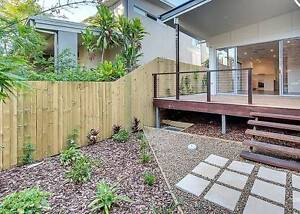 ### LUXURY TOWNHOUSE IN PRIME MORNINGSIDE LOCATION #### Morningside Brisbane South East Preview