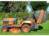 Kubota BX2200 Compact lawn tractor with cutting deck and collector