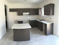 BRAND NEW BEAUTIFUL MODERN OAK KITCHEN CABINETS & COUNTERTOPS