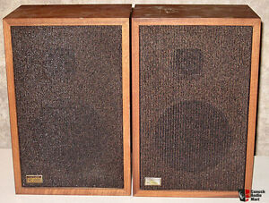 Vintage REALISTIC MC 1000 Speakers All Original Great Sound