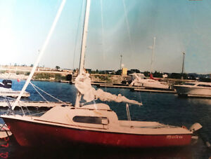 Red Siren 17' Sailboat