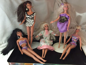 BARBIE dolls from the 90s - 15 dolls and accessories West Island Greater Montréal image 5