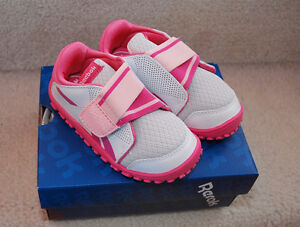 Reebok Baby Toddler Girl Size 6 Velcro Shoes - NEW