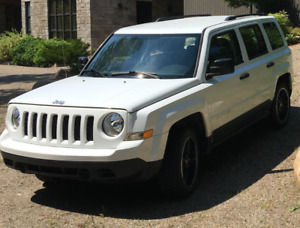 Jeep Patriot Sport North 4X4 -24 400km 2015 pneus hiver Mag 18""