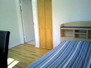 Chambre à louer /  Room for rent near HEC - UdeM - POLYTECHNIQUE