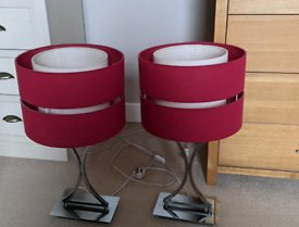 2 lamps for sale includes bulbs