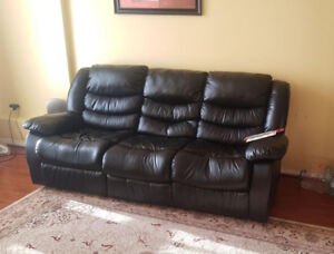 RECLINING LEATHER COUCH ON SALE **VERY GOOD CONDITION**