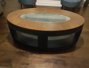 ••• COFFEE TABLE FOR SALE •••