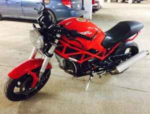 Red HOT  Ducati for sale! 2007 Monster 695