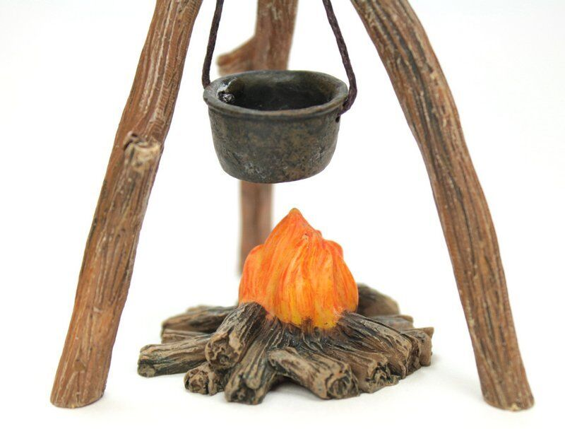Miniature Campfire with Cooking Pot - G Scale - Model Train Accessory - 118-1001