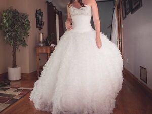 White wedding dress Peterborough Peterborough Area image 2