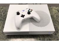 WHITE XBOX ONE S WITH DESTINY ON DISC!! ONLY 2 DAYS OLD