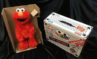 2006 Tickle Me Elmo TMX 10th Anniversary BRAND NEW  Still In Box.