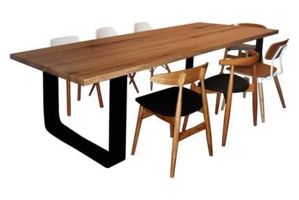KING DINING TABLE. METAL LEGS WITH ROUNDED CORNERS. Brighton Bayside Area Preview
