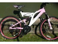 Girls Muddyfox Bicycle age 8-13 £30