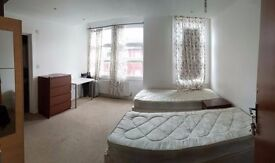 DOUBLE ROOM ENSUITE AVAILABLE NOW! 210PW