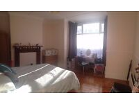 Huge fully furnished bedroom in 4 bed professional house share, Heaton. £425 pcm all bills included