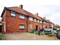 Beautiful 3 Bedroom house to Let on Valence Road Dagenham Rm8 1TJ
