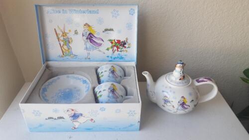 6 Pc Alice In Winterland Wonderland Cafe Paul Cardew Teacups/Saucers & Pot w/lid