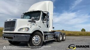 2013 FREIGHTLINER M2 112 DAY CAB