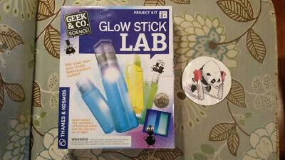 Glow Stick Lab Geek & Co. Science ...  NEW](Glow Stick Company)