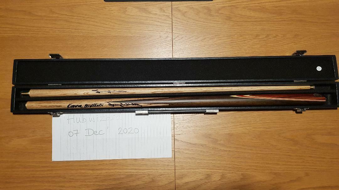 Ronnie O'Sullivan and Jimmy White Signed Snooker Cue GENUINE SIGNATURES - FREE PandP