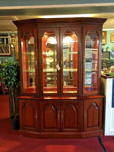 Pennsylvania House Mirror Backed China Cabinet - Delivery Available