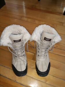winter boots UGG size 9 (woman)