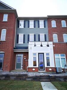 TOWNHOUSE - LIVE AND WORK - FOR RENT - TOWNHOME